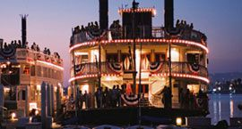 Dinner cruise on the Bahia Belle steamboat